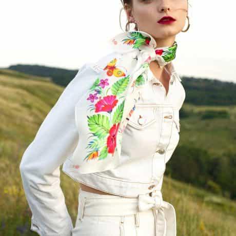 """фотография Платок """"Цветок страсти"""" белый #3"""