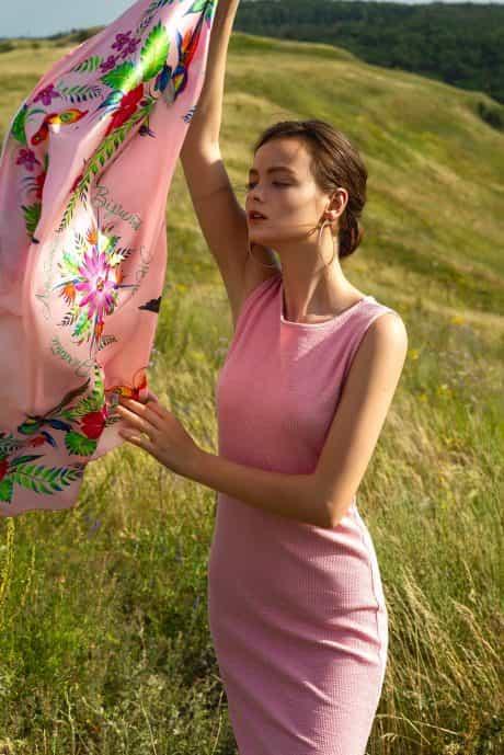 """фотография Платок """"Цветок страсти"""" розовый #1"""