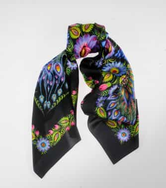 "фотография Black square scarf ""Magic Firebirds"""